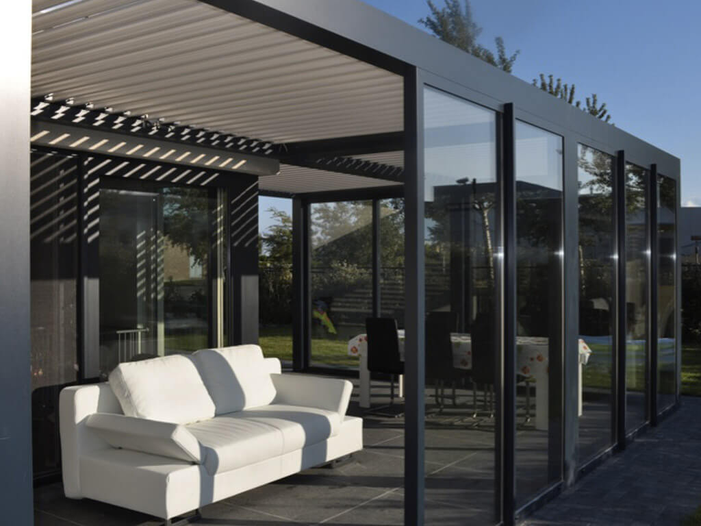 pergola bioclimatique pas cher pergola a lames. Black Bedroom Furniture Sets. Home Design Ideas